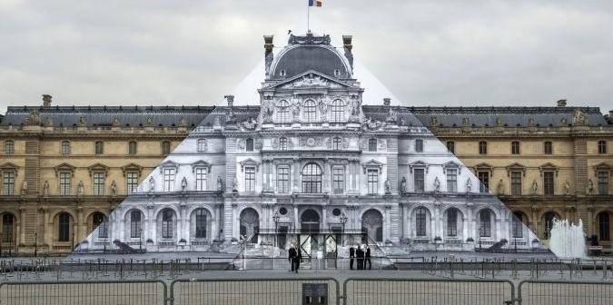 Новая инсталляция в Лувре