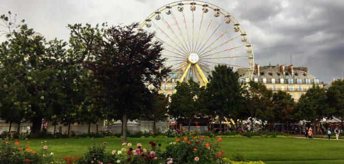 Колесо обозрения в центре Парижа